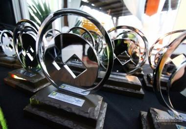 Prêmio Cambori destaca 31 empreendedores de sucesso em noite de homenagens