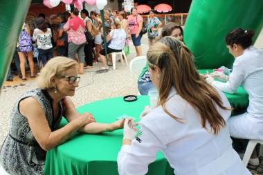 Unesc leva atendimentos de saúde à comunidade do Pinheirinho