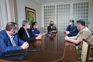 Governadora Daniela Reinehr se reúne com a cúpula da Segurança Pública
