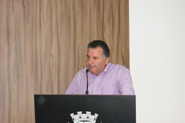 Calegari indica serviços de manutenção asfáltica