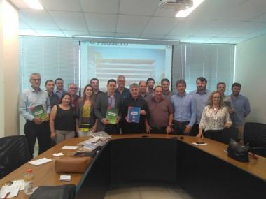 Aldinei Potelecki participa de reunião sobre Centro de Inovação