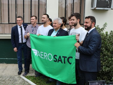 Ministro Marcos Pontes defende parcerias durante visita à Satc