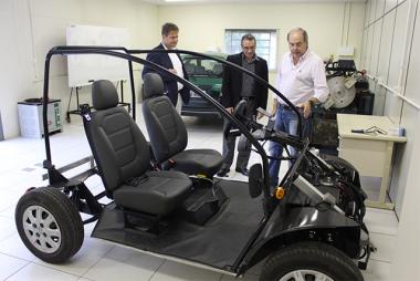 Representantes da Siemens conhecem pesquisas realizadas na Satc