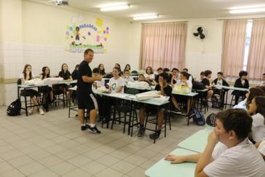 Estudantes retornam às aulas na Satc e reencontram amigos e professores