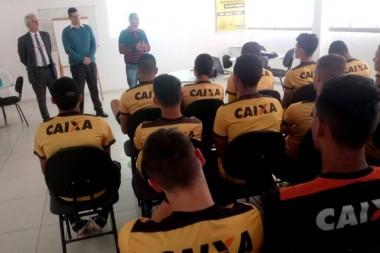 Atletas da base do Criciúma participam de Palestra de educação Financeira