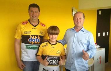 Vereador mirim de Criciúma acompanha a vitória do Tigre