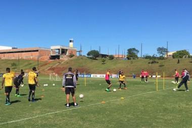 Atividades específicas no centro de treinamento do Tigre
