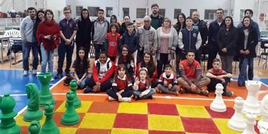 Equipe de xadrez de Içara fatura cinco troféus em Lages