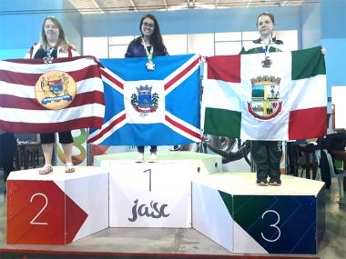 Com quatro medalhas equipe feminina encerra participação no Jasc