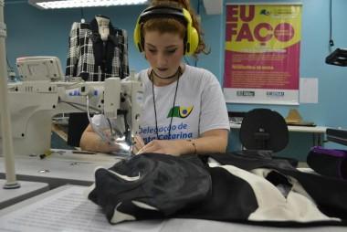 Estudante de moda participa de seletiva para competição