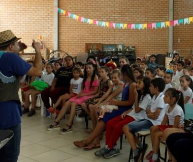 Projeto de contação de histórias finaliza o ano com festival