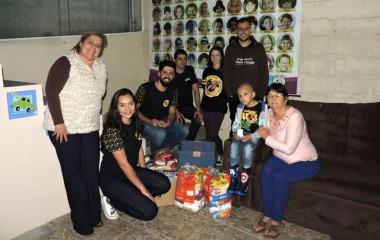 Estudantes da Faculdade Satc somam esporte, educação e solidariedade