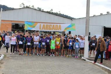 Corrida de Rua Satc leva mais de 400 atletas a Turvo