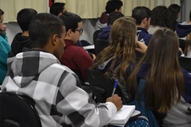 Escolas podem receber Aulões Itinerantes gratuitos para o Enem