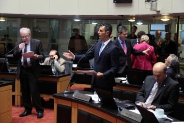 Projeto que reajusta o Salário Mínimo Regional é aprovado