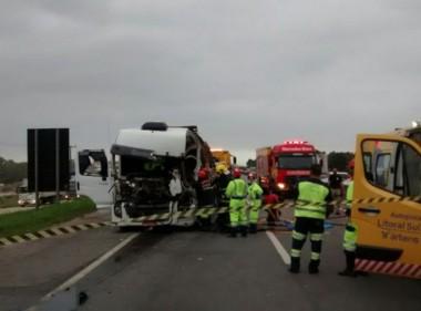 Acidente com três caminhões termina em morte na BR-101