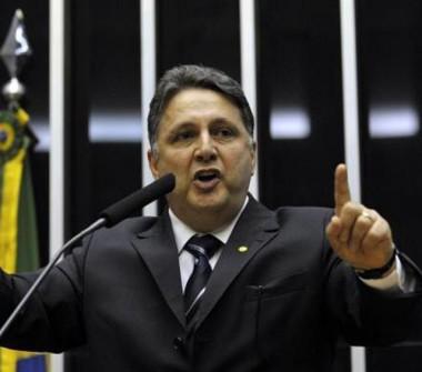 Preso, Garotinho, ex-governador do Rio, denuncia perseguição