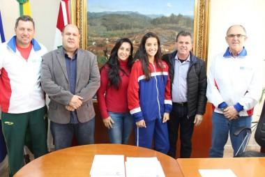 Atleta de Nova Veneza compete Atletismo na França