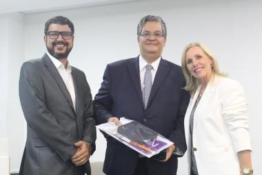 Ministro do TSE Henrique Neves discute Direito Eleitoral