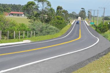 Eduardo Moreira inaugura rodovia em Balneário Rincão