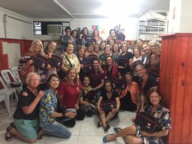 Participantes Grupos de Idosos da Afasc recebem bolsas