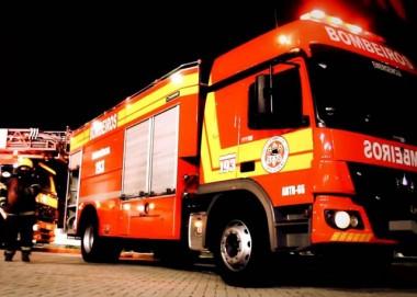 Incêndio em apartamento mobiliza bombeiros de Criciúma