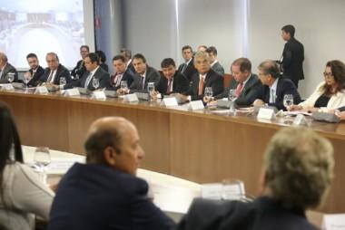 Moreira discute ações de segurança e saúde em Brasília