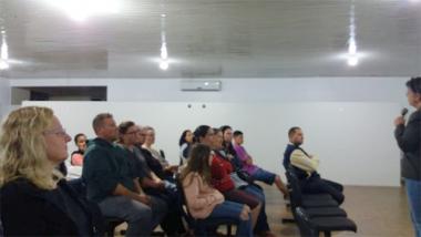 Pais de Siderópolis participam de palestra que valoriza a vida em sociedade