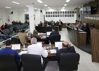 Sessão da Câmara Municipal de Içara no bairro Esplanada