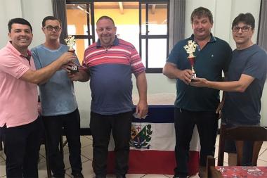 Conhecidos os campeões do Campeonato Municipal de Canastra Masculina
