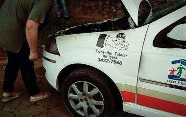 Mais um veículo do Governo Municipal de Içara pega fogo