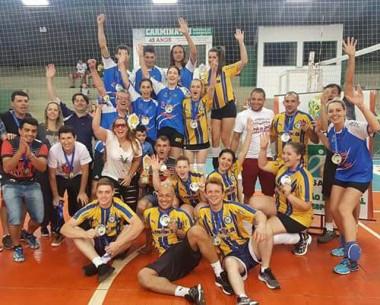 Sider Bar vence e conquista o Campeonato de Voleibol Misto