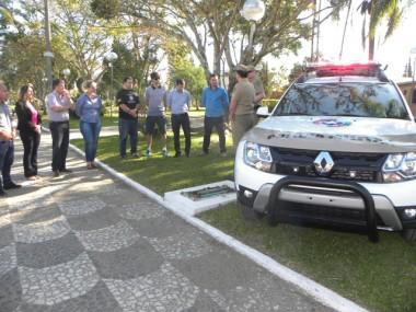 Prefeitura de Maracajá doa viatura para Polícia Militar