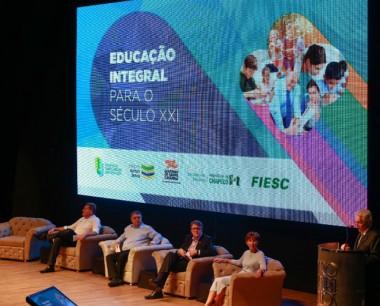 Estado firma compromisso para ampliar Educação Integral