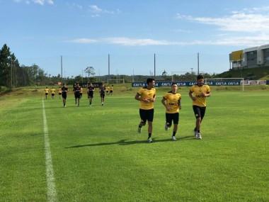Grupo de atletas se reapresenta para iniciar temporada de 2018