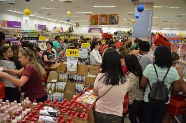 Black Friday atrai grande público ao Farol Shopping