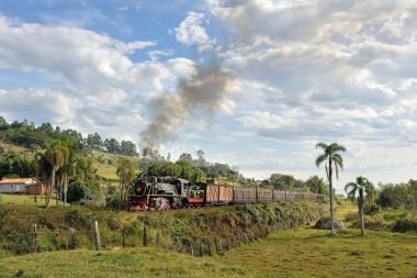 Passeios de Maria Fumaça visam impulsionar o turismo