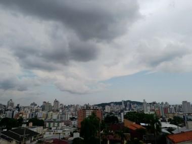 Defesa Civil de Criciúma emite alerta de chuva intensa