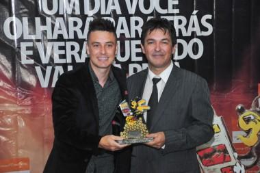 Jairo Diniz comenta sobre o Destaque Içarense 2016