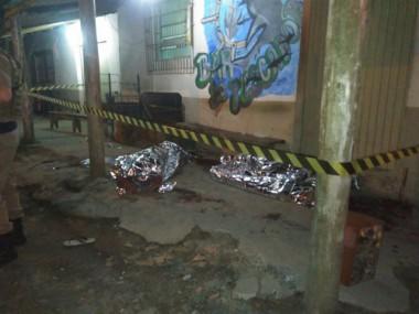 Dois homens são mortos com cortes no pescoço após briga em bar