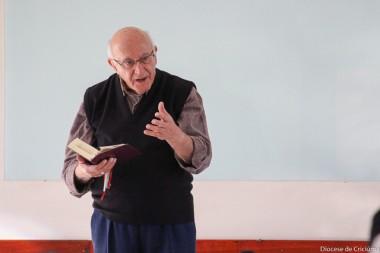 Vida humana e espiritual do padre é tema de retiro com Dom Paulo Roxo