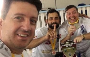 Equipe de bocha de Içara vence competição na Festa do Balonismo