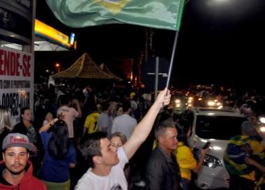 Içara tem festa da vitória verde, amarela e azul
