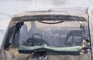Veículo é destruído por incêndio na comunidade em Boa Vista