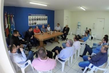 CDL e Legislativo convocam deputados estaduais e federais