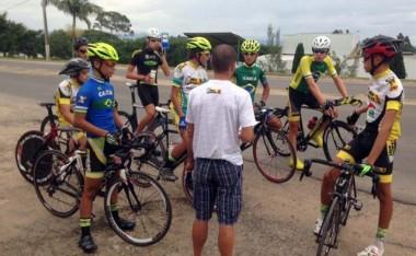 Equipe de ciclismo de Içara compete em São Paulo