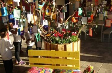Escola Maria da Glória Silva cria árvore dos desejos