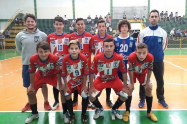 Base de Içara goleia Cocal do Sul no Futsal Regional da LUD