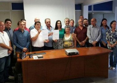 Geovania De Sá anuncia recursos ao Hospital São Donato