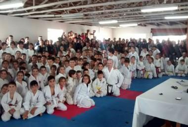 FME de Içara gradua 162 caratecas a novas faixas